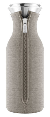 Tableware - Water Carafes & Wine Decanters - Stoppe-goutte Carafe - / 1 L - Technical fabric by Eva Solo - Warm grey - Glass, Neoprene, Stainless steel