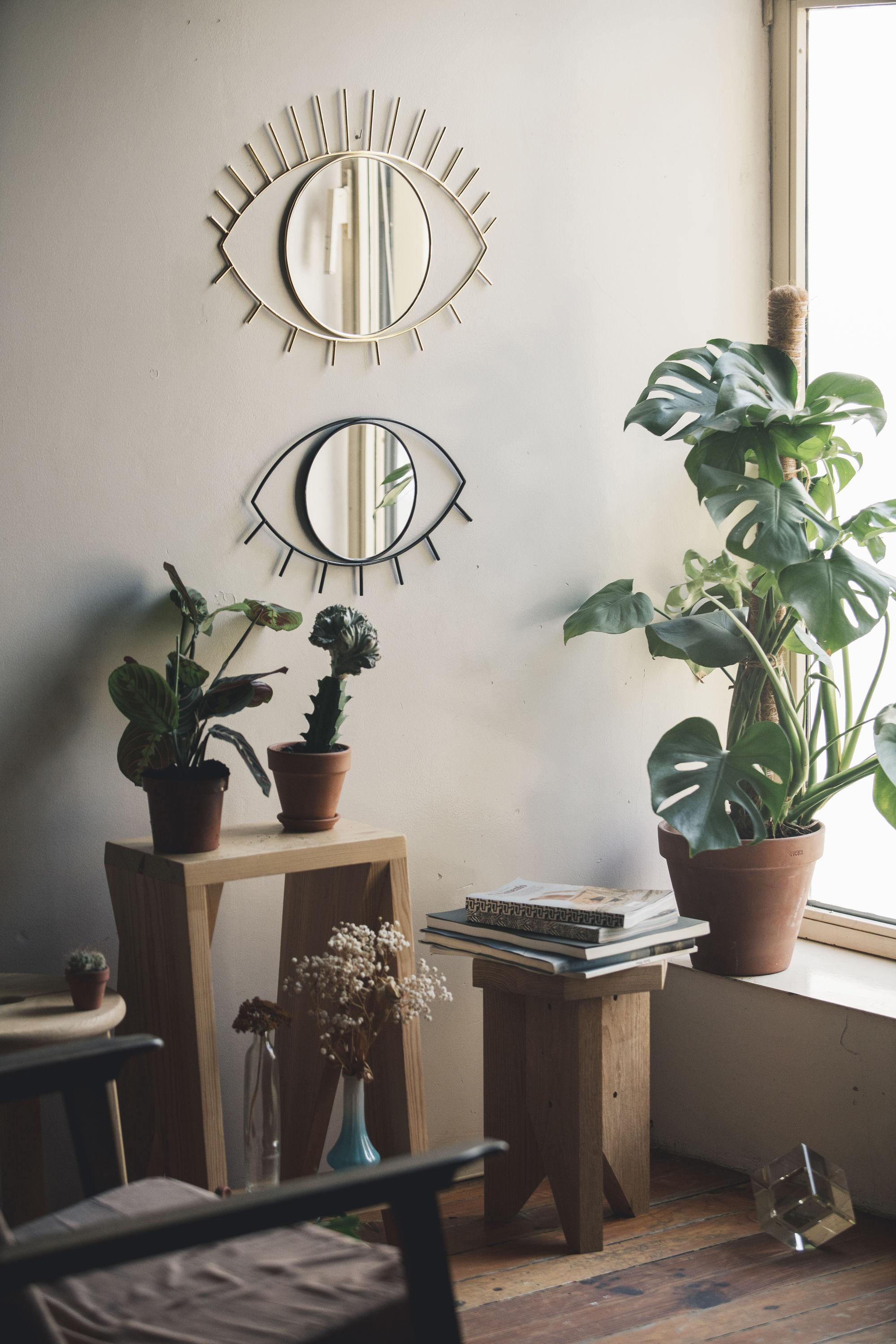 miroir mural cyclops medium doiy medium noir l 43 x h 28 made in design. Black Bedroom Furniture Sets. Home Design Ideas