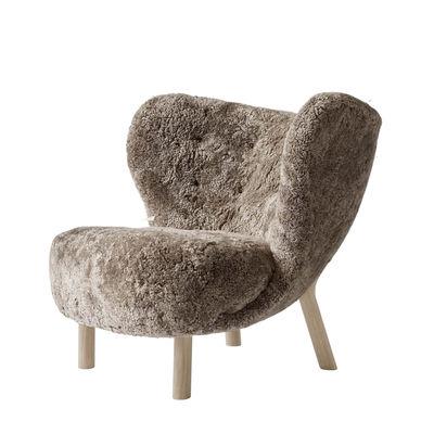 Furniture - Armchairs - Little Petra VB1 Padded armchair - / 1938 reissue - Sheepskin by &tradition - Oak / Coat: Sahara Brown - CMHR foam, Sheep skin, Solid oak