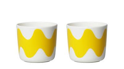 Tischkultur - Tassen und Becher - Oiva Lokki Kaffeetasse / ohne Henkel - 2er-Set - Marimekko - Lokki / weiß & gelb - Sandstein