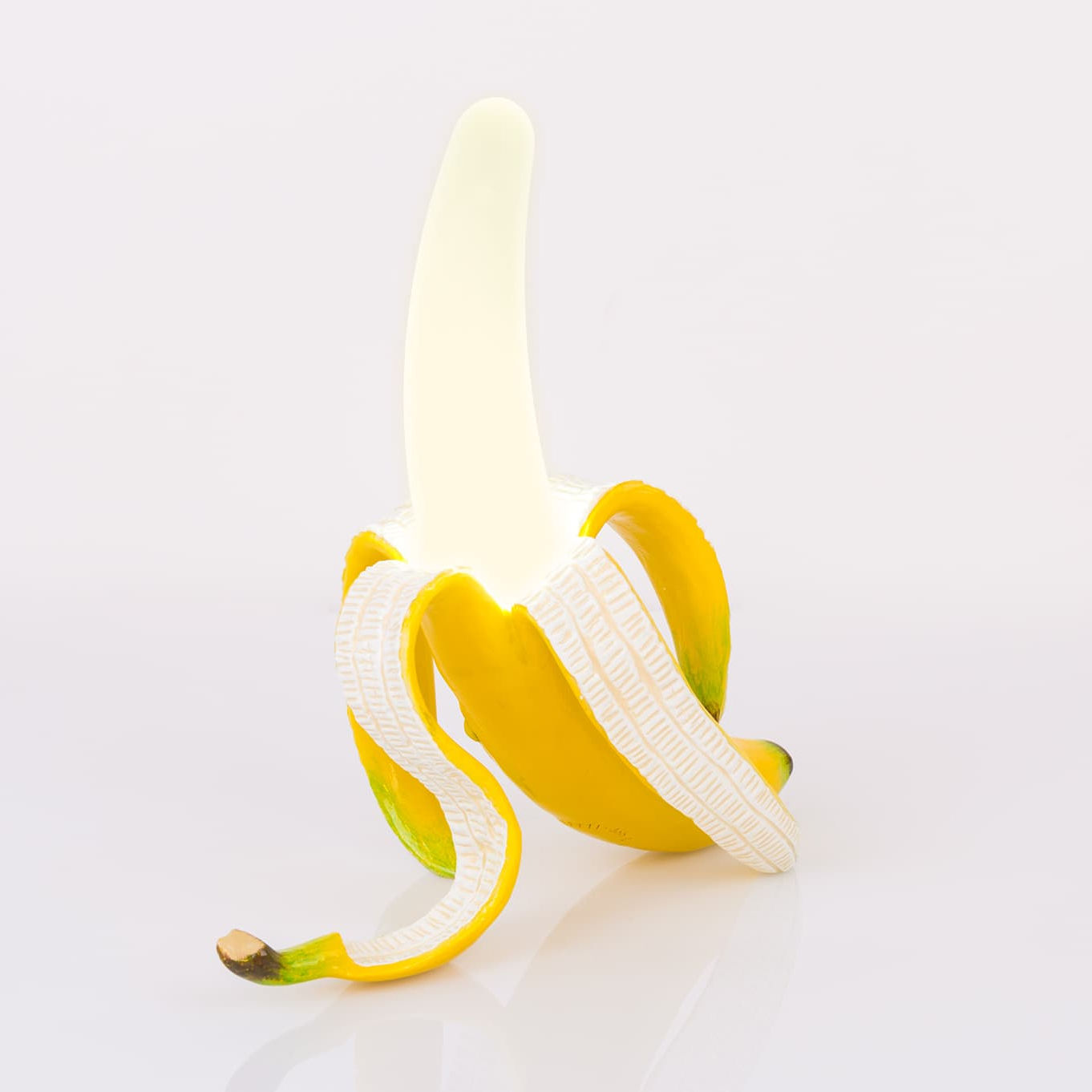 lampe ohne kabel banana daisy von seletti gl nsebl mchen gelb wei l 26 x l 15 x h 30. Black Bedroom Furniture Sets. Home Design Ideas