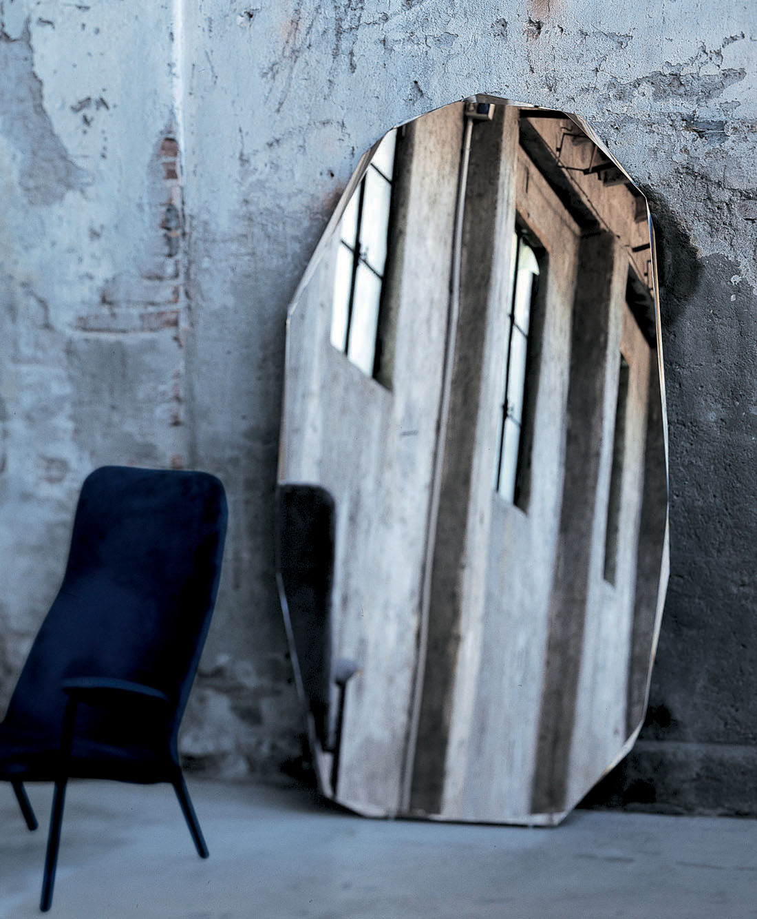 Mobilier - Miroirs - Miroir à poser Kooh-I-Noor / L 116 x H 206 cm - Glas Italia -  - Verre