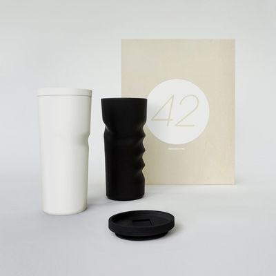 Arts de la table - Tasses et mugs - Coffret Designerbox#42 / 2 mugs avec couvercles - Jean Nouvel - Designerbox - Blanc & noir - Grès émaillé, Silicone