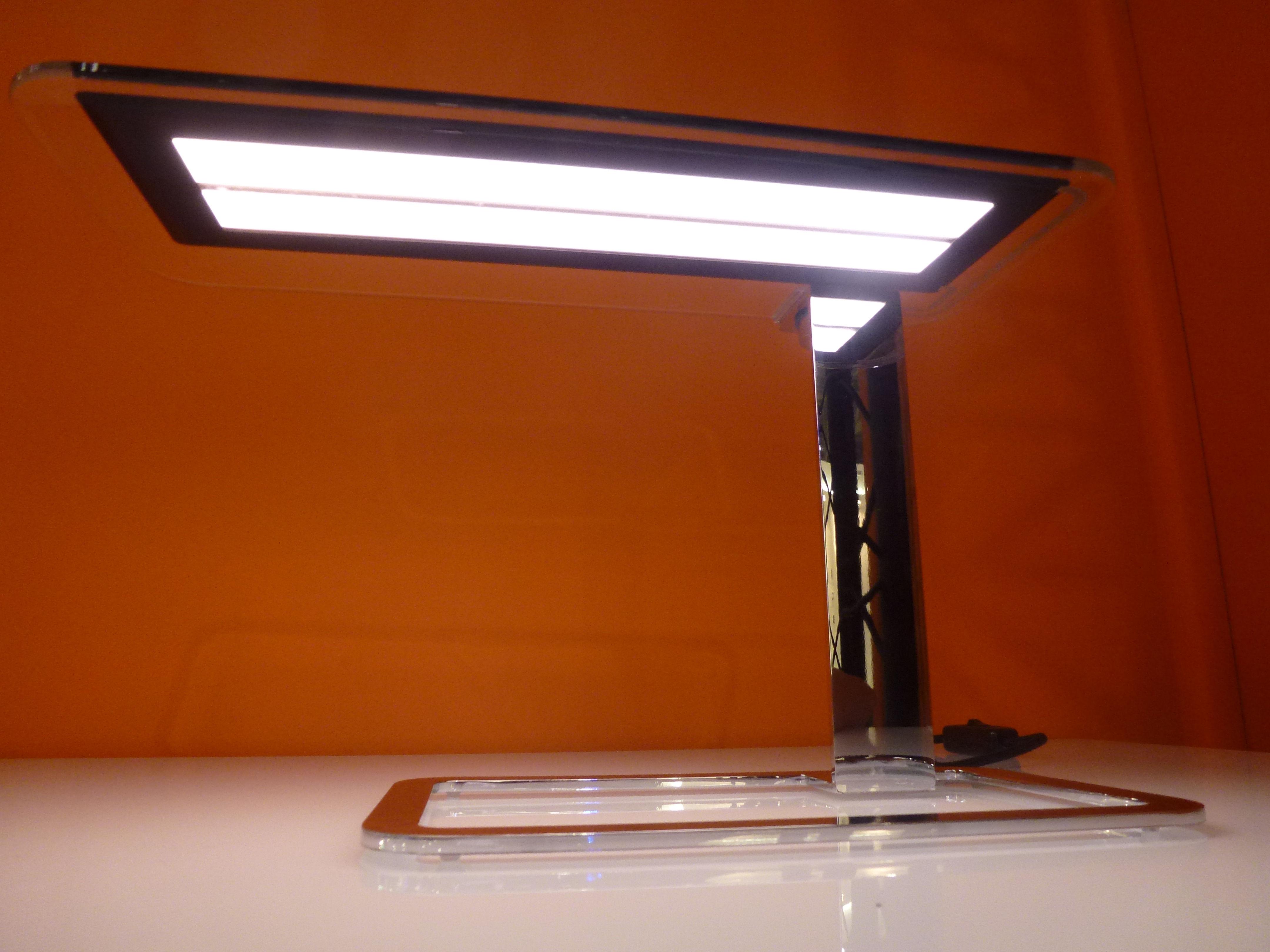 Olé lampada da tavolo tecnologia oled by blackbody nero by made