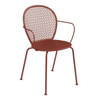 Mobilier - Chaises, fauteuils de salle à manger - Fauteuil empilable Lorette / Métal perforé - Fermob - Ocre rouge - Acier laqué
