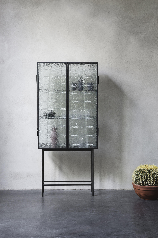 vitrine haze ferm living verre translucide noir l 70 cm x prof 32 cm x h 155 cm partie. Black Bedroom Furniture Sets. Home Design Ideas