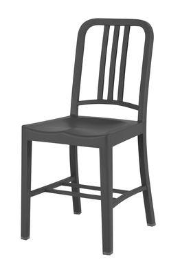 Chaise 111 Navy chair Indoor / Plastique recyclé - Emeco gris/noir en matière plastique
