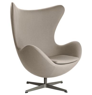 Mobilier - Fauteuils - Fauteuil pivotant Egg chair / Tissu Gabriele - Fritz Hansen - Taupe - Aluminium poli, Fibre de verre, Mousse de polyuréthane, Tissu