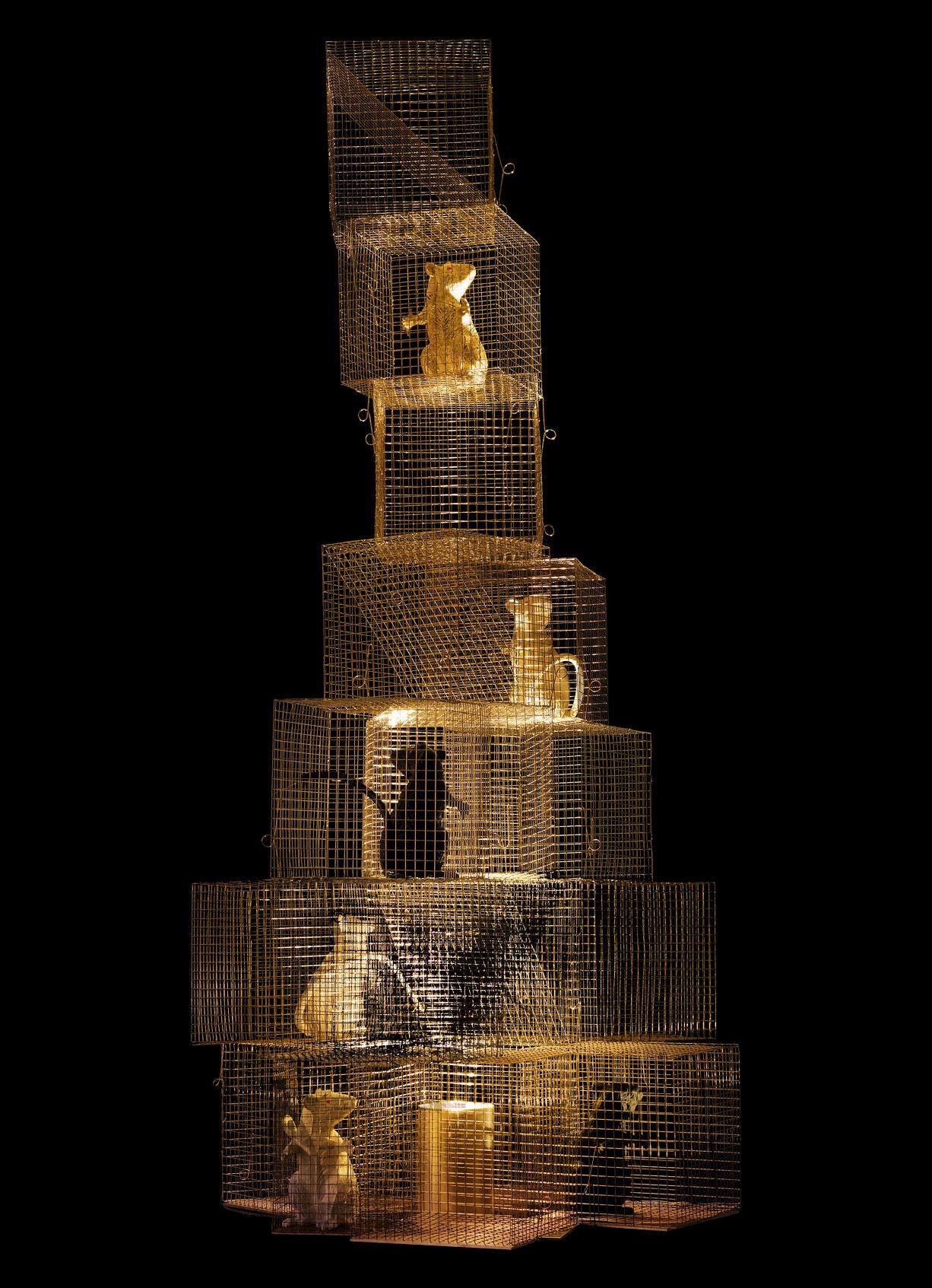 Illuminazione - Lampade da terra - Lampada Seven Rats di Ingo Maurer - Acciaio & oro / 4 topi neri & 3 bianchi - Metallo, Oro, Plastica