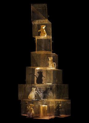 Luminaire - Lampadaires - Lampe Seven Rats / H 85 cm - Ingo Maurer - Acier & or / 4 rats noirs & 3 blancs - Métal, Or, Plastique