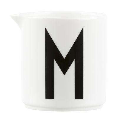 Arts de la table - Thé et café - Pot à lait Arne Jacobsen / Lettre M - Design Letters - Blanc / Lettre M - Porcelaine de Chine