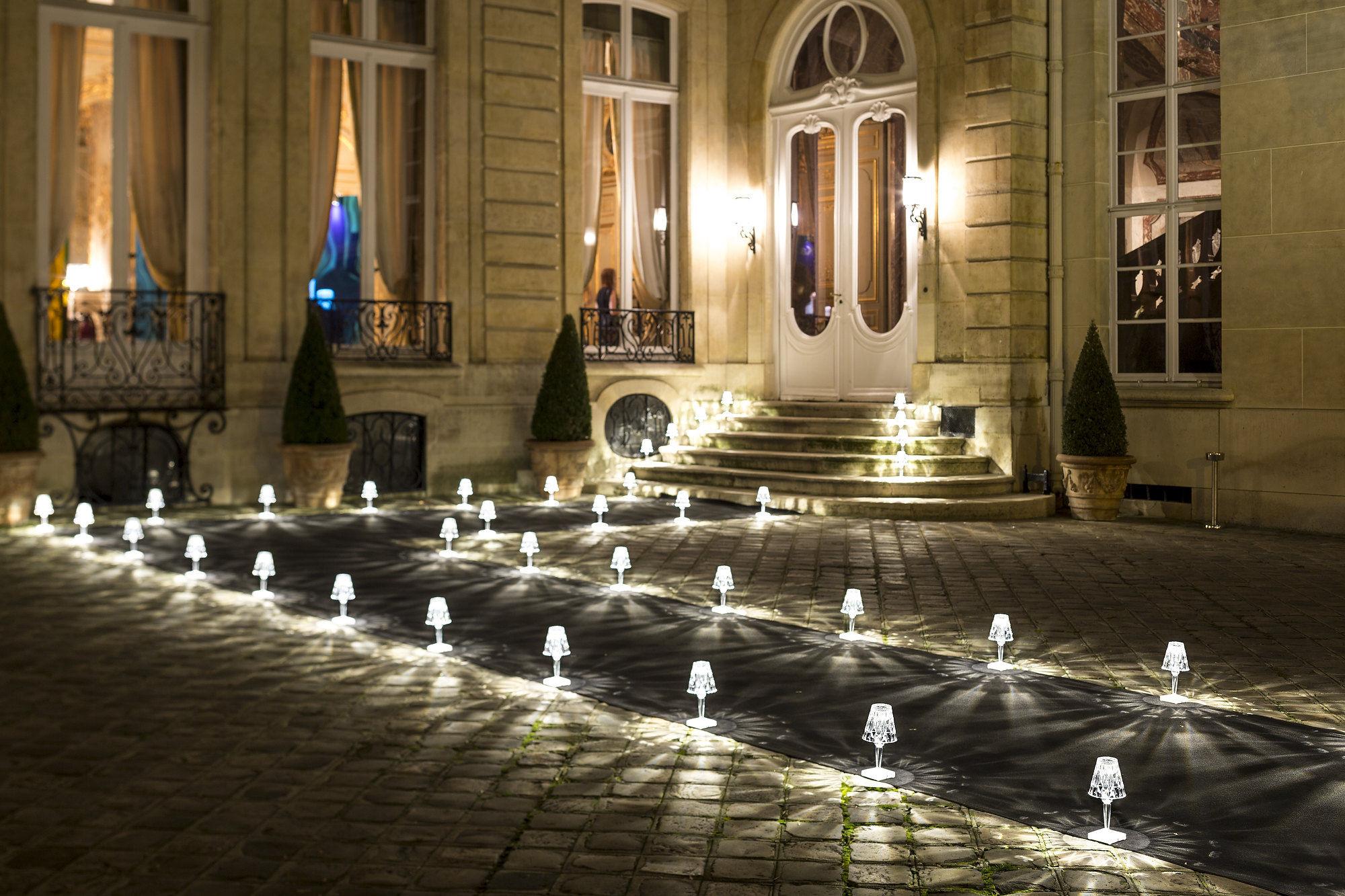 Lampe Ohne Kabel Battery LED Von Kartell - Braun