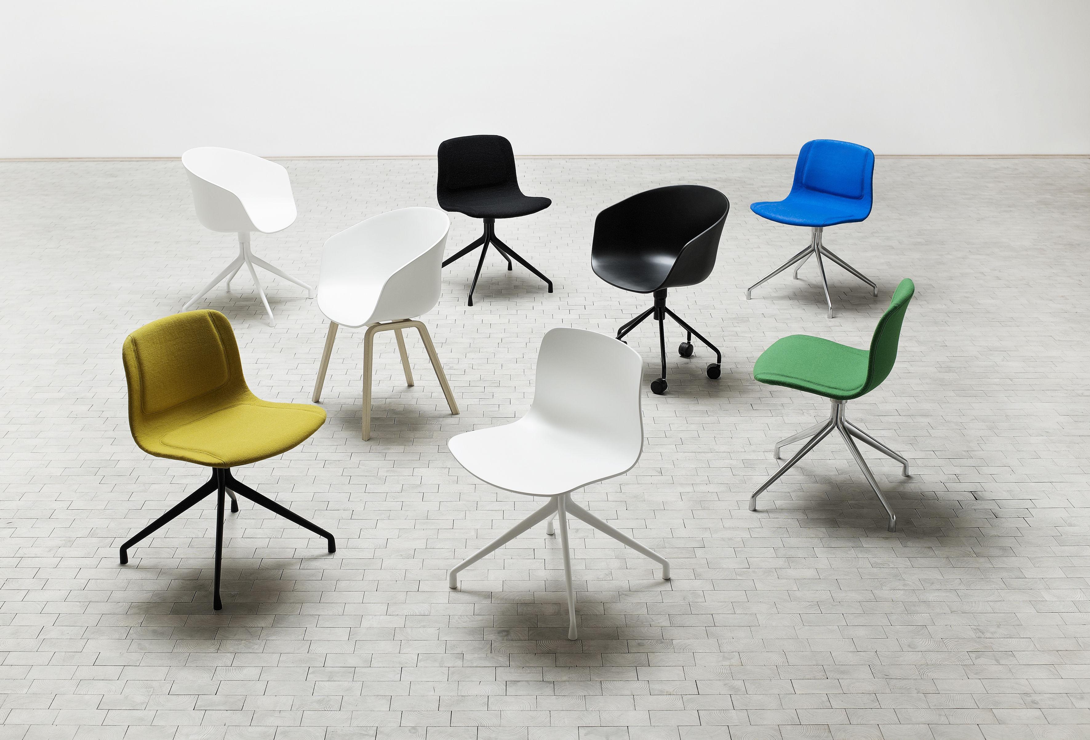 Chaise Pivotante About A Chair Rembourree Tissu Blanc Tissu