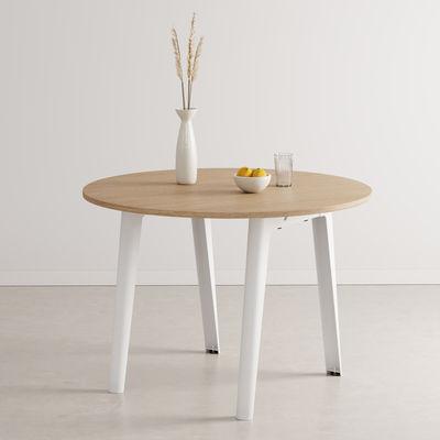 Table ronde New Modern / Ø 110 cm - Chêne éco-certifié / 4 à 6 personnes - TIPTOE blanc en métal/bois