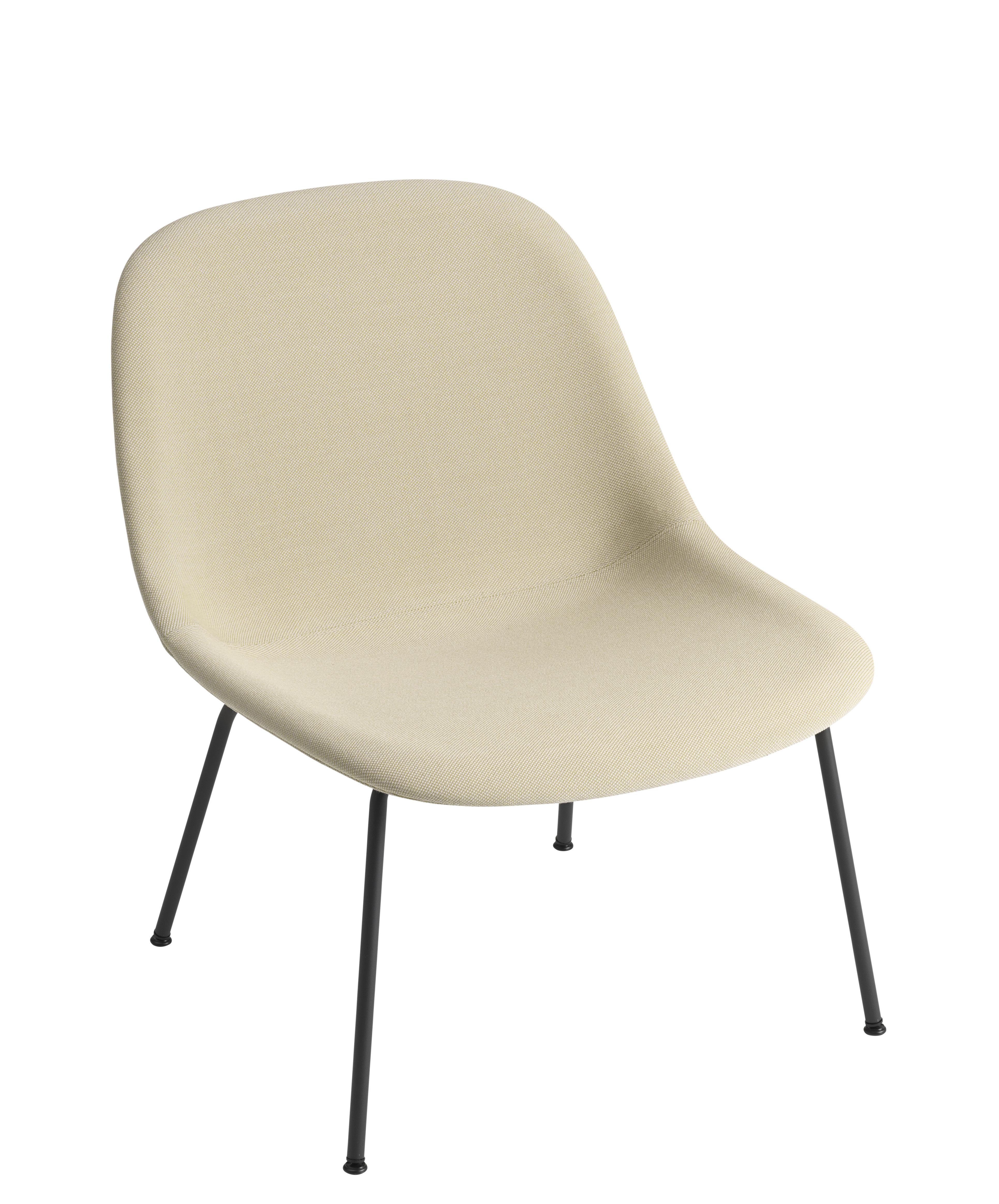 Mobilier - Fauteuils - Fauteuil bas Fiber Lounge / Rembourré - Pieds métal - Tissu intégral - Muuto - Beige / Pieds noirs - Acier, Matériau composite, Tissu