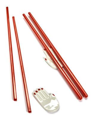 Tavola - Posate - Poggia bacchette Mains - / Set da 2 (bacchette giapponesi incluse) di Serax - Bianco & rosso - Legno, Porcellana