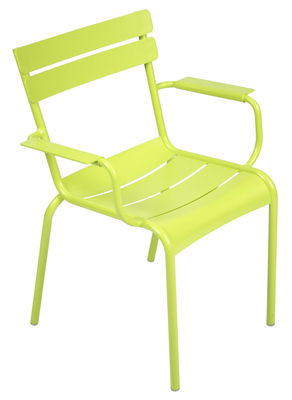 Life Style - Luxembourg Stackable armchair by Fermob - Verbena - Lacquered aluminium