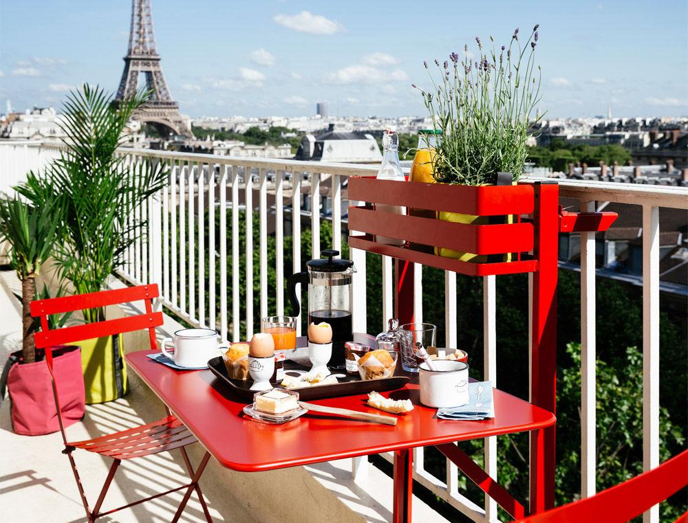 Tavolo pieghevole balcon bistro di fermob beige made for Tavolo pieghevole design
