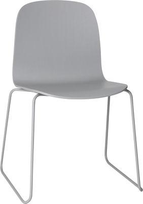Mobilier - Chaises, fauteuils de salle à manger - Chaise empilable Visu / Bois - Pied traineau - Muuto - Structure grise / assise grise - Acier peint, Chêne verni