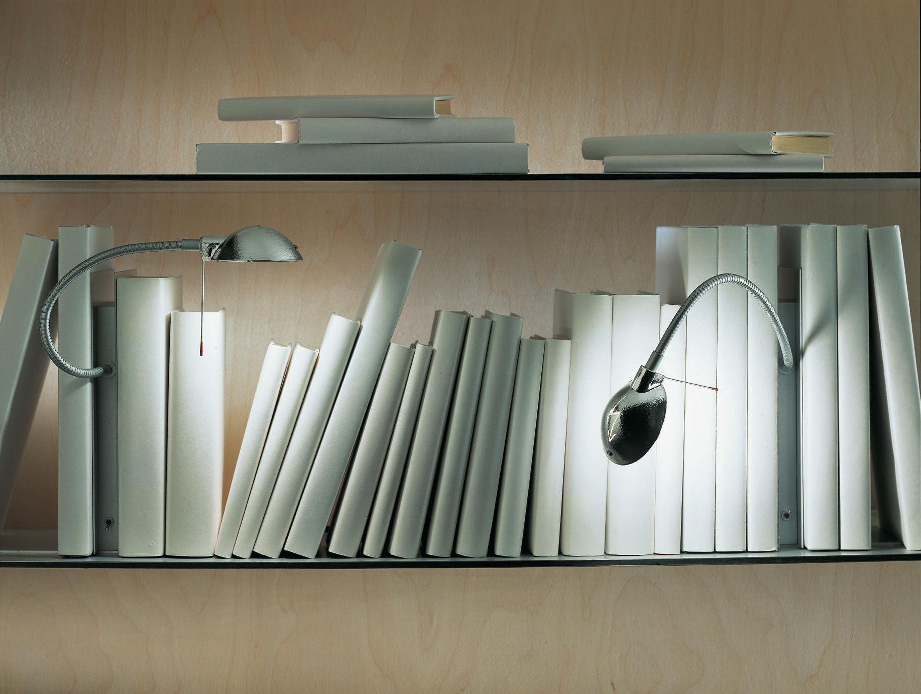 Leuchten - Tischleuchten - Oskar Lampe für Regale - Ingo Maurer - Aluminium - Metall