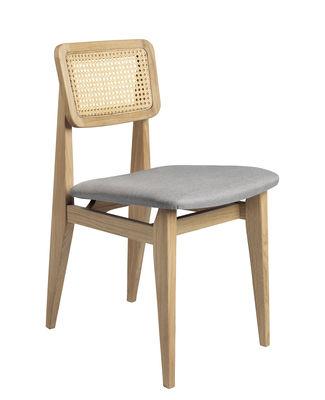 Mobilier - Chaises, fauteuils de salle à manger - Chaise C-Chair / Assise rembourrée & cannage - Réédition 1947 - Gubi - Gris-bleu & cannage / Chêne - Cannage de rotin, Chêne, Mousse, Tissu Dedar