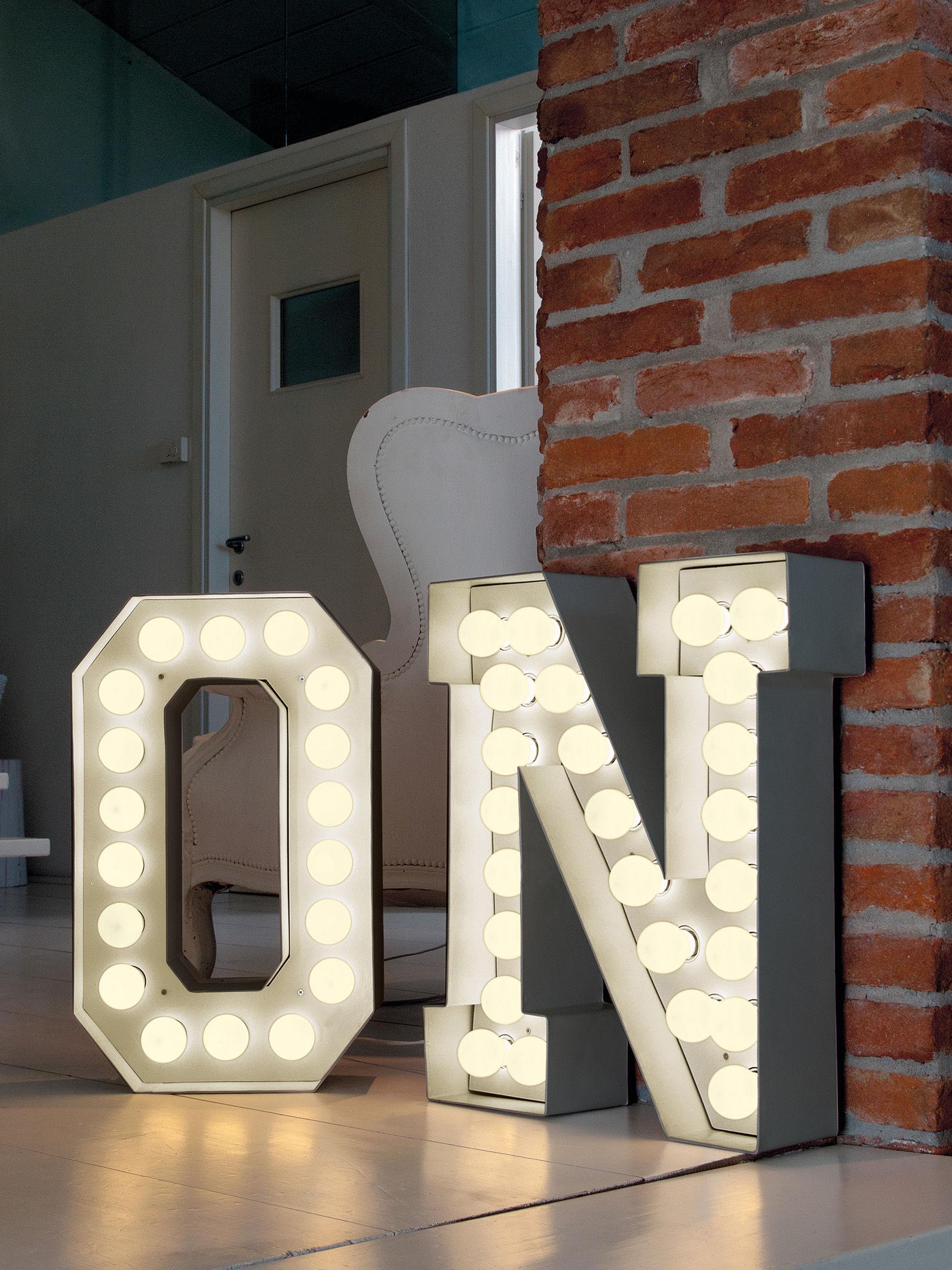 Leuchten - Leuchtmöbel und -objekte - Vegaz Bodenleuchte /Leuchtbuchstabe O - H 60 cm - Seletti - O - Metall