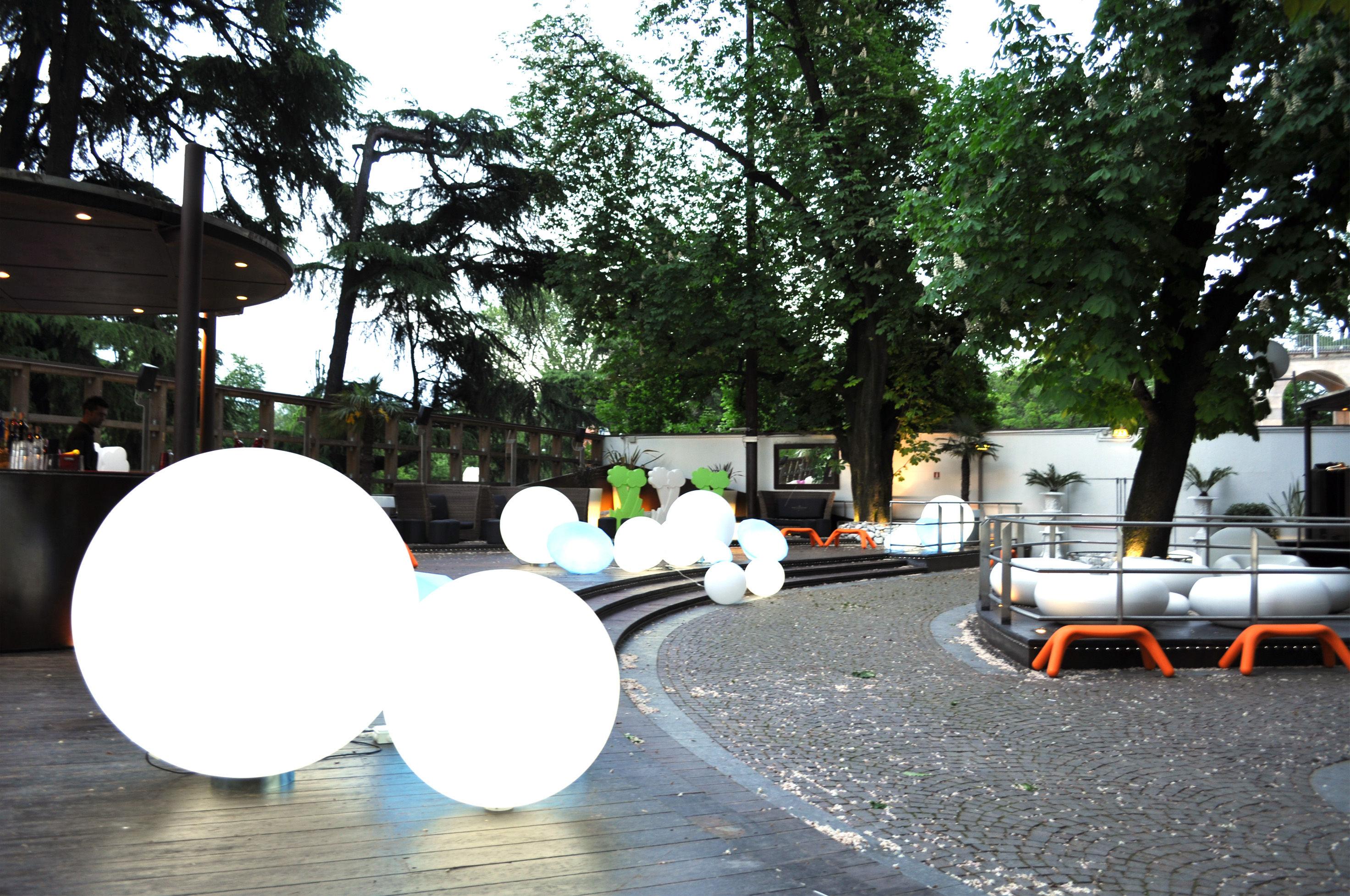 Lampada da tavolo globo outdoor slide bianco Ø 50 cm Ø 50