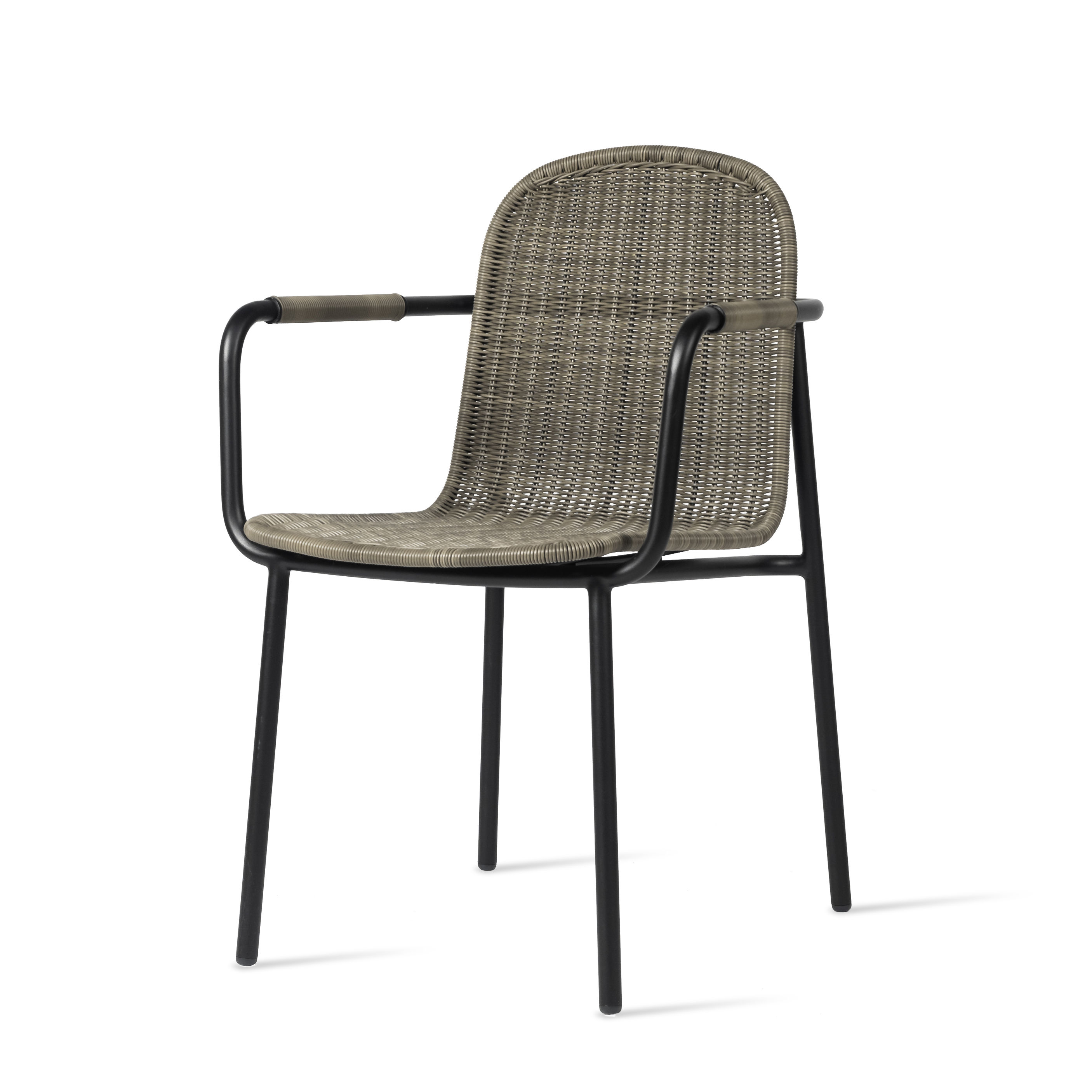 Furniture - Chairs - Wicked Armchair - / Hand-woven polyethylene by Vincent Sheppard - Taupe & black - Polythene resin, Thermolacquered aluminium