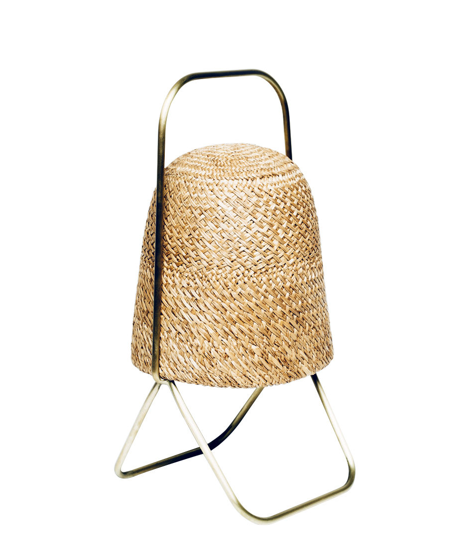Lighting - Table Lamps - Paleae Table lamp - Hand-held or suspended - Ø 20 cm by Spécimen Editions - Palm / Brass structure - Acier finition laiton, Hand woven palm