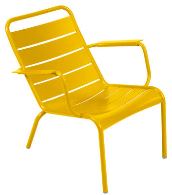 Life Style - Luxembourg Low armchair by Fermob - Honey - Lacquered aluminium