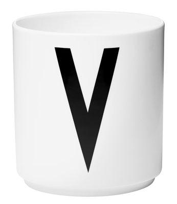 Mug Arne Jacobsen / Porcelaine - Lettre V - Design Letters blanc en céramique