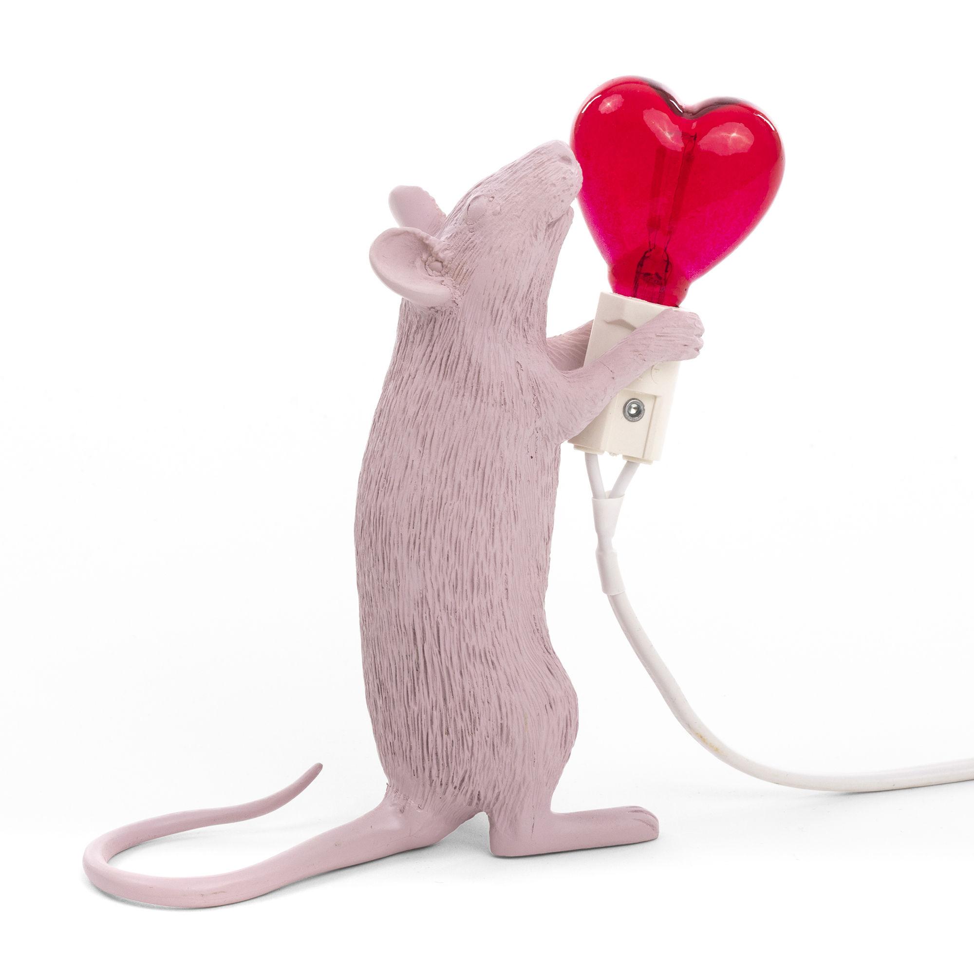 Interni - Per bambini - Lampada da tavolo Mouse Sitting #2 - / Edizione limitata St Valentin di Seletti - Topo rosa / Lampadina cuore rosso - Resina